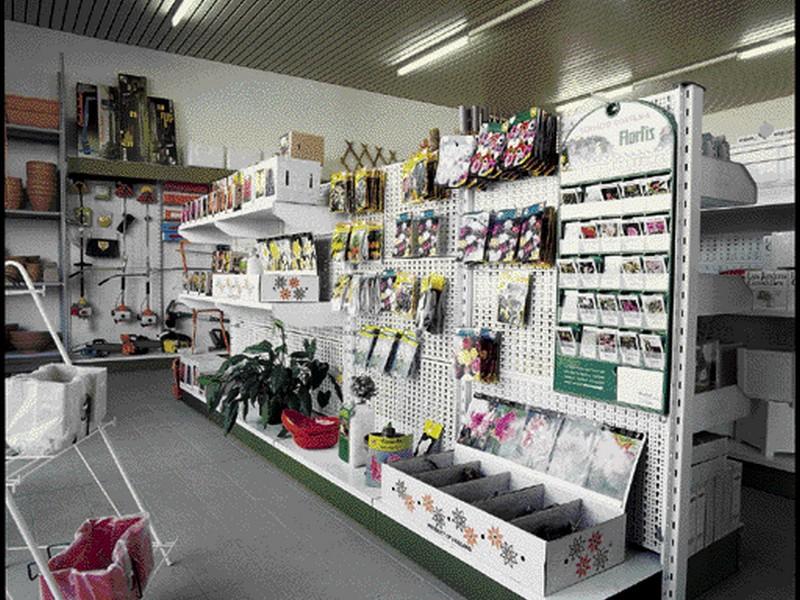 Arredamento negozi abbigliamento toscana tutte le for Arredamento toscana