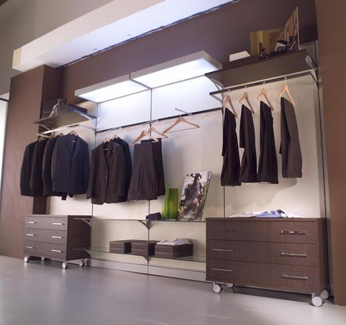 Arredamento Negozi Abbigliamento Toscana : Arredamento negozi di ...